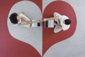 Онлайн знакомства: можно ли найти свою вторую половинку онлайн? Реальный опыт + список сайтов знакомств