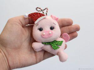 Подарок маме на Новый 2021 год Свиньи: 68 идей