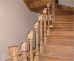 Производство и монтаж деревянных балясин