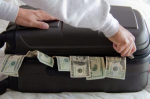 Мнения экспертов на сегодня в какой валюте хранить деньги в 2021 году